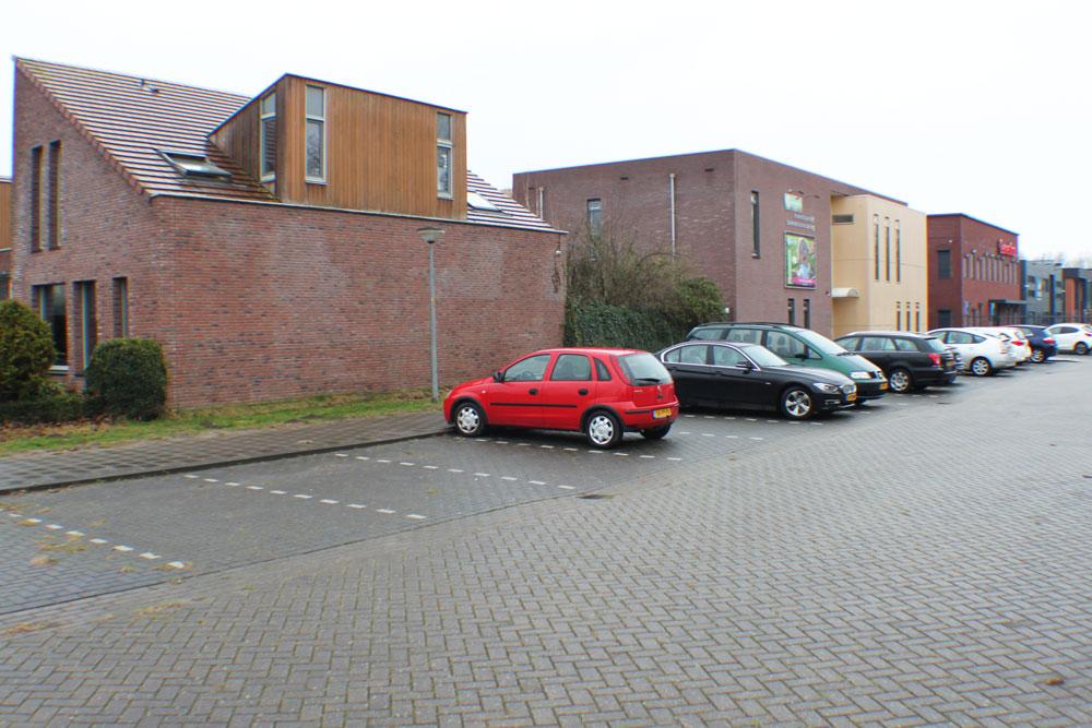 parkeren naast de praktijk